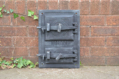 29.5 x 41.5 cm old cast iron fire / bread oven door/doors /flue/clay/range pizza