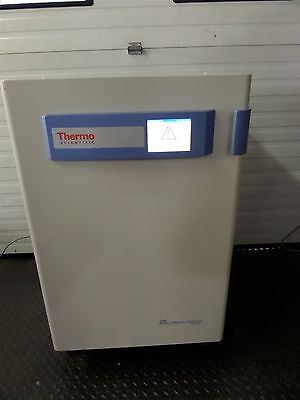 Thermo Scientific Forma Series 3 Water Jacketed CO2 Digital Incubator 4130