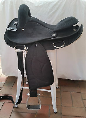Large Synthetic Stock / All Purppoae Saddle Size - 16.5