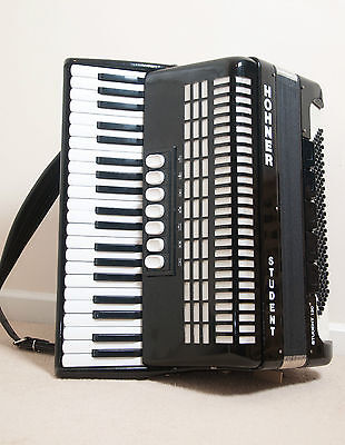 Hohner accordion 120 bass