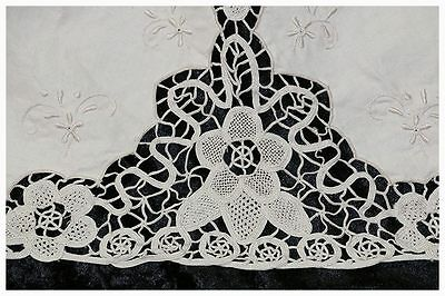 Exquisite vintage round ecru lace & embroidered tablecloth 170cm diameter