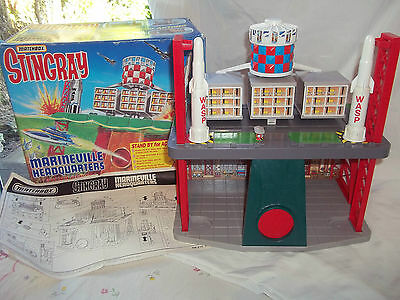 Matchbox Stingray Marineville Headquarters + Street Lamps + Instructions VGC (1)