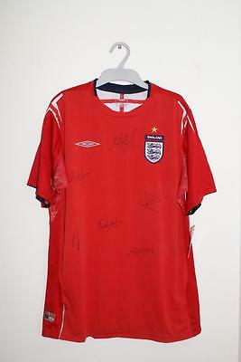 Autographed England Football Shirt Size Medium Genuine Beckham Rooney (myref189)