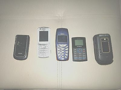 Lot Of 5 Old Cell Phones Untested ;For Parts / Repair as is (Motorola nokia)