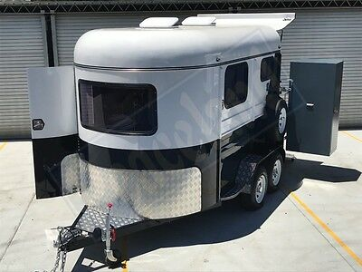 2016 Brand New, Peaceland Commander 2 Horse angle _2HAL - Brand New Horse Float