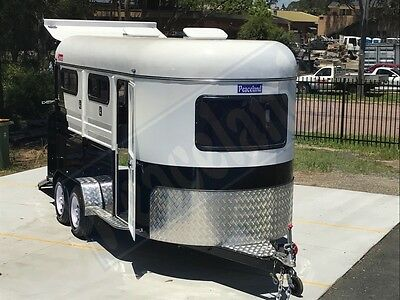 Brand New, Peaceland Commander 3 Horse angle _3HAL - Brand New Horse Float