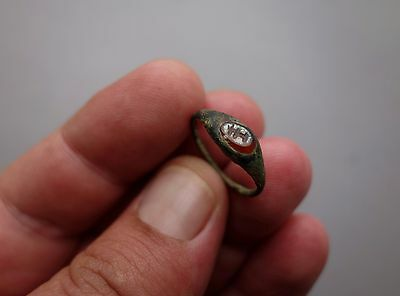 ancient Roman bronze two colours intaglio ring - carved sacrificial altar -