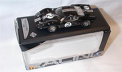 Ford GT 40 No2 in Black 1-43 Scale Solido racing Model