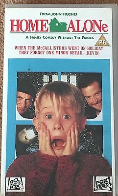 """Fox Video PAL/VHS  """"HOME ALONE """"  PG Rated Video  Good Condition"""