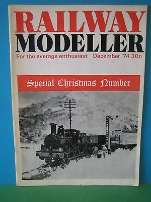 Railway Modeller December 1974 # Layout hinged to the wall # Craig Warehouse