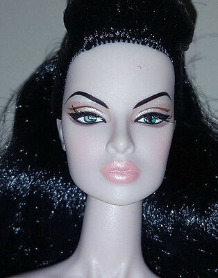 Fashion Royalty - Eugenia - a touch of frost - nude doll