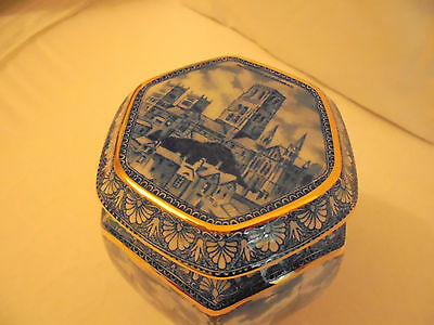 WILLOW PATTERN 80th ANNIVERSARY TEA CADDY BY WADE RINGTONS 1920's BLACK FRIDAY