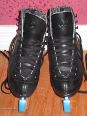 RIEDELL Girls Sz 13 Black Leather Ice Skates w Blade Guards, Figure
