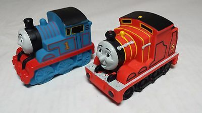 THOMAS & JAMES Bath Tub Buddies Squeeze Toy Train Thomas Friends Water Squirter