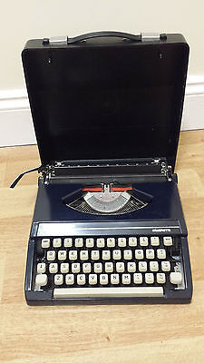 Vintage Portable Silver Reed Silverette Typewriter and Case