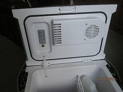 outwell electric ecocool 24 litre ac/dc box. pick up only