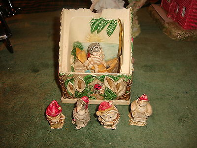 Harmoney Kingdom Picturesque Byron's Hideaway Plus Mad Murphy & 3 Other Figures