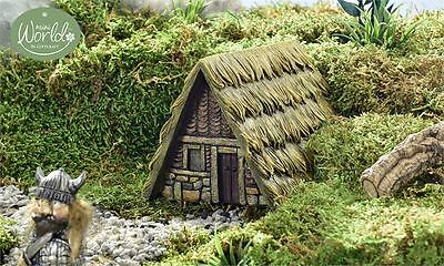Viking Village Medieval Hut  design  Grass thatched Roof Resin New  Cobblestone