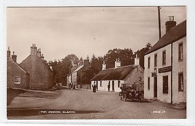 THE SQUARE, GLAMIS: Angus postcard (C11800)