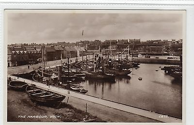 THE HARBOUR, WICK: Caithness postcard (C12500)