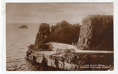 THE GRIPPS ROCKS, HARBOUR ENTRANCE, DUNBAR: East Lothian postcard (C13141)