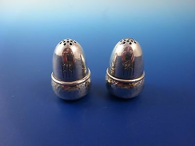 Salt & Pepper Shakers 830 Silver with Hammered Base (2941)
