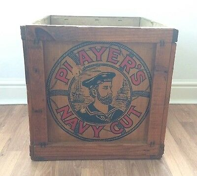 Players Navy Cut Packing Case. Advertising