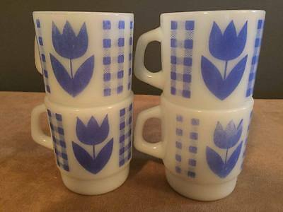 4 x TERMOCRISA – Blue tulip – stackable milk glass mugs / cups – Mexico