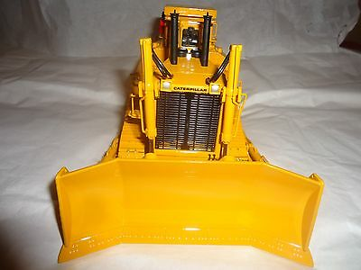 Caterpillar D-10 Bulldozer With Triple Ripper By Classic Const. Models