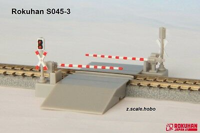 Rokuhan S045-3 Z Scale European Railroad Crossing Gates *NEW in USA $0 SHIP