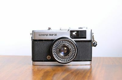 OLYMPUS Trip 35   35mm  Point & Shoot Camera    * Good User *   Made in Japan
