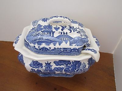 Blue Willow Soup Tureen With Ladle Made in Japan Vintage