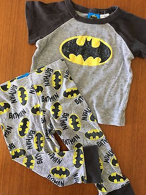 Size 0 ~ BATMAN ~ 2 Piece PJ / Sleepwear Set ~ EUC!