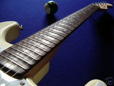Scalloping  IHRER  E-Gitarre mit rosewood Neck 21/22 Bde wie Malmsteen/Blackmore