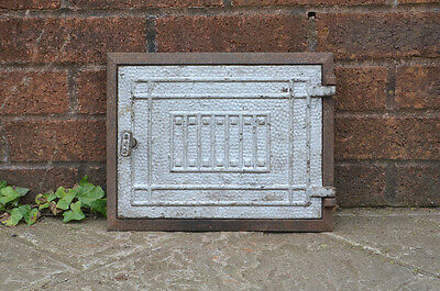 31.5 x 25 cm old cast iron fire bread oven door/doors /flue/clay/range/pizza