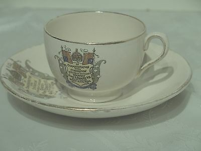 Cup, saucer and cup to commemorate Coronation Edward V11
