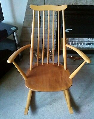 ercol rocking chair in blonde elm the  chair no 435 excellent quality i