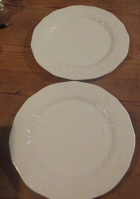 Wedgwood Strawberry and Vine Dinner Plates 11 inches x 2