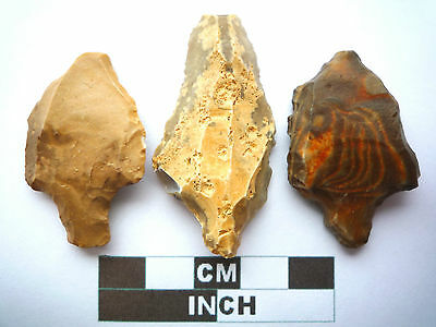 Paleolithic Arrowheads x 3, Saharan Artifacts, 70,000-30,000BC  (T024)