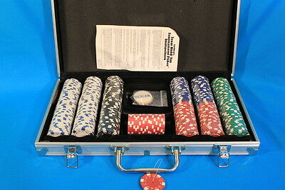 Texas Hold'em Tournament Poker Game Chips Set in Metal Carry Case NEW, READ