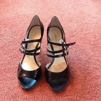 ambition black leather strappy peep toe shoes size 7