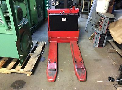Raymond 4000lb capacity electric pallet jack, #101T-F40L, 24v, built in charger