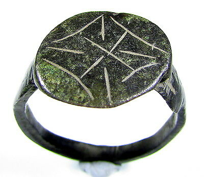 Superb Medieval Knight's Era Bronze Ring With Cross Motif - Wearable - 1870