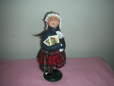 NR Byers Choice Christmas Caroler Girl holding Cards 2012 Navy Coat plaid Skirt