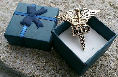MD CADUCEUS MEDICAL DOCTOR BADGE LAPEL PIN Gold Plated+ Gift box(black)