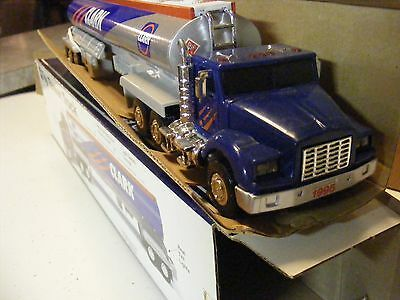 Nib 1995 Clark Toy Tanker Truck  ( Lights And Sound )