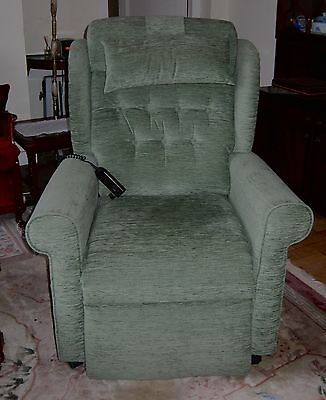 WillowBrook Newhampton Riser Recliner Electric Armchair. Perfect Condition