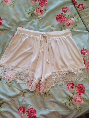 Asos High Waisted White Shorts With Lace Trim Size 8