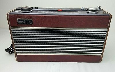 Stunning Classic 1980s Roberts R800 AM/FM Transistor Radio in A Good UsedWorking