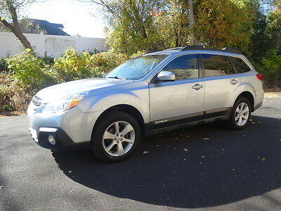 2014 Subaru Outback PREMIUM NO RESERVE VERY CLEAN ONLY HIGHWAY MILEAGE FULL SERVICED AWD HEATED SEATS